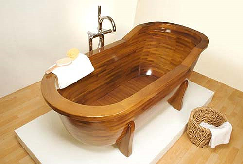 Wooden Bathtubs by STOLIS