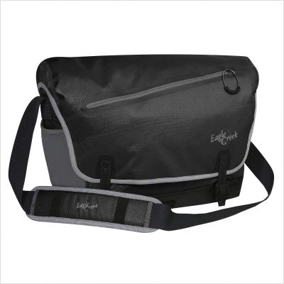 Eagle Creek Day Travelers Cicada Messenger Bag in Black