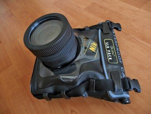DiCAPac WPS10 Waterproof Case for SLR & DSLR's
